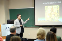Dr. Mark Macina lectures at the Animal Medical Center