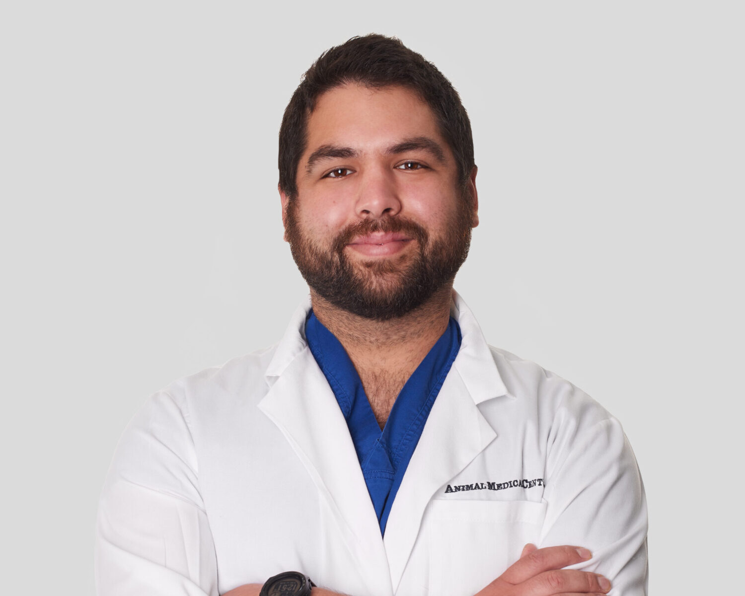 Dr Jacobo Romano of the Animal Medical Center in New York City